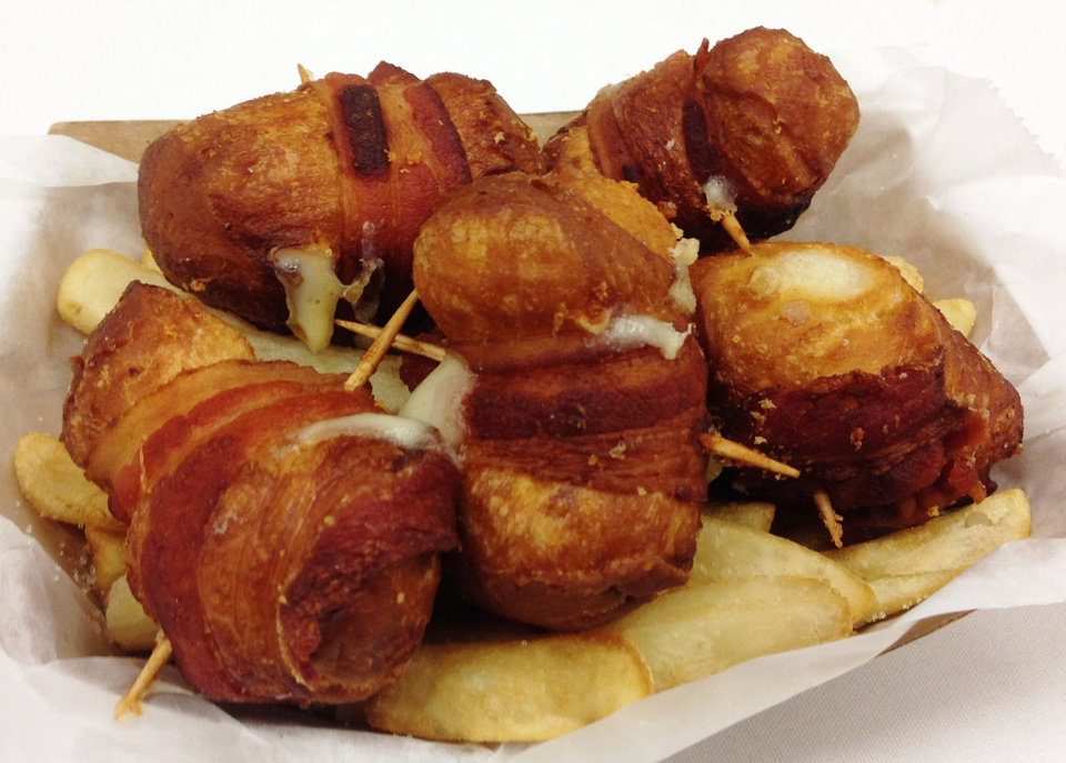 Photo - Cheesy Bacon Bombs are featured at the State Fair of Oklahoma this year.  DAVE CATHEY - THE OKLAHOMAN