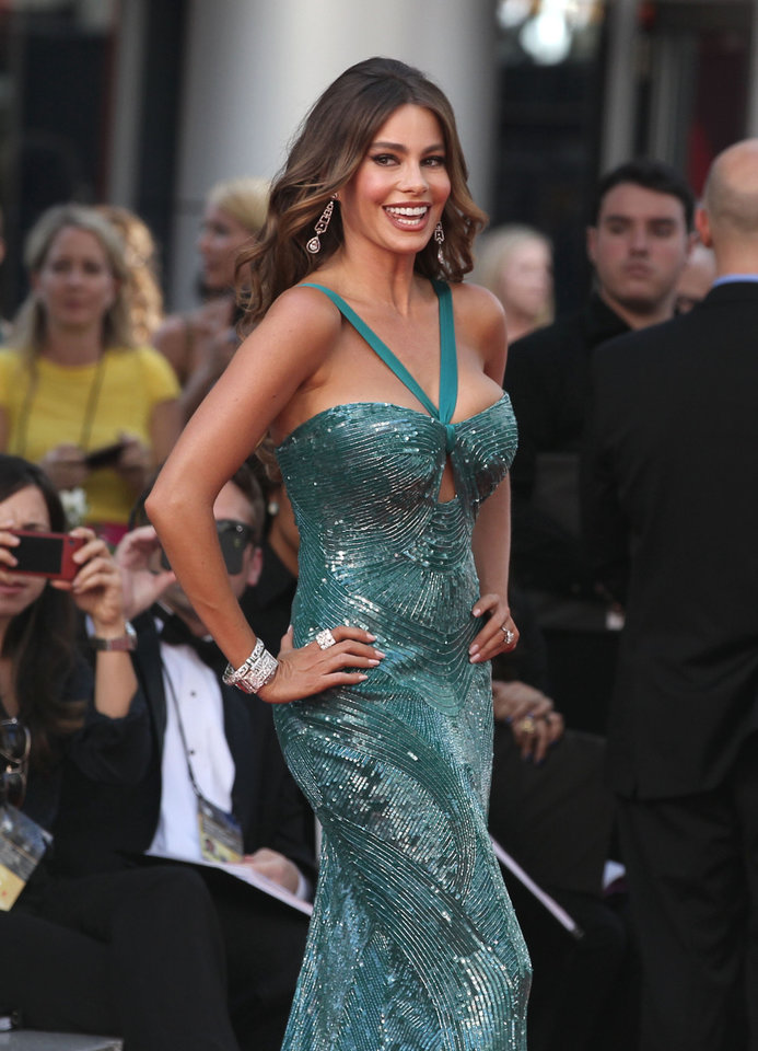 Photo -   Sofia Vergara arrives at the 64th Primetime Emmy Awards at the Nokia Theatre on Sunday, Sept. 23, 2012, in Los Angeles. (Photo by Matt Sayles/Invision/AP)