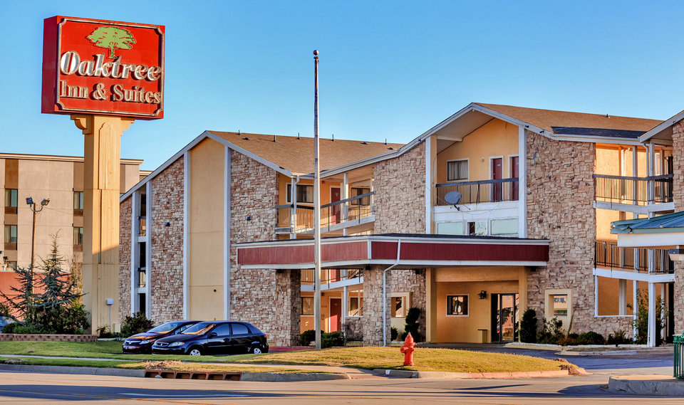 Photo - The Oaktree Inn and Suites located at 1200 S Meridian Ave. in Oklahoma City, Okla. on Thursday, Oct. 26, 2017. Photo by Chris Landsberger, The Oklahoman