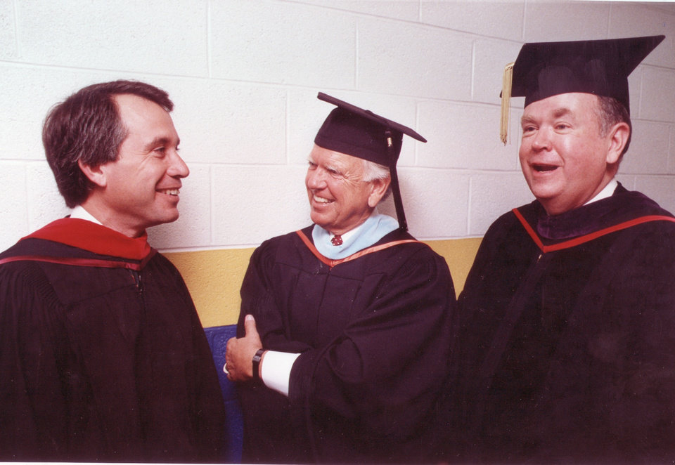 Photo - Gov. David Walters, incoming University of Central Oklahoma president  George Nigh and University of Oklahoma president David Boren enjoy a moment before inauguration proceedings start for Mr. Nigh.  Nigh and Boren are both former governors.  Staff photo by Steve Sisney taken Sunday, 10/24/92.