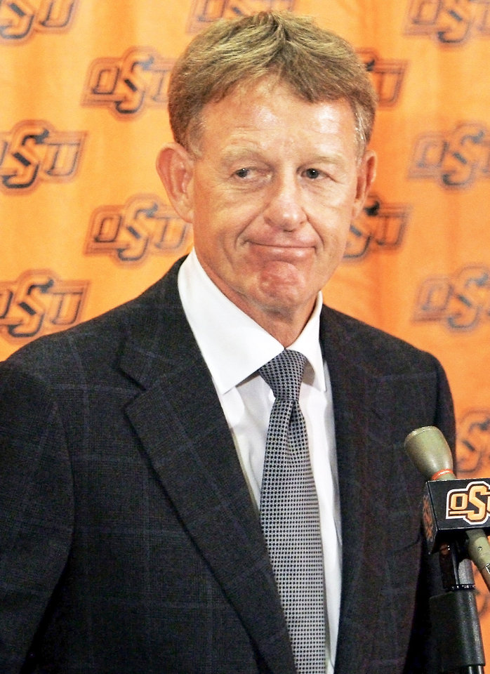 Photo - Oklahoma State athletic director Mike Holder might lead his school into an expanded Pac-10.  PHOTO BY CHRIS LANDSBERGER, The Oklahoman Archive