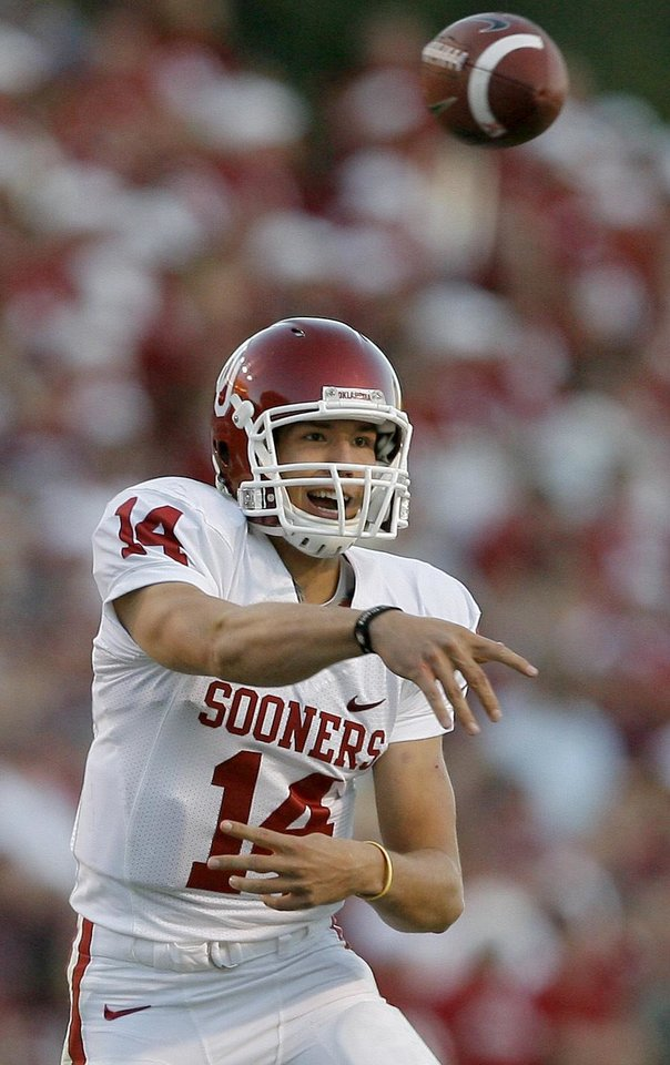 Photo - OU's Sam Bradford throws in the second half during the college football game between the University of Oklahoma and Texas A&M University at Kyle Field in College Station, Texas, Saturday, November 8, 2008.  BY BRYAN TERRY, THE OKLAHOMAN