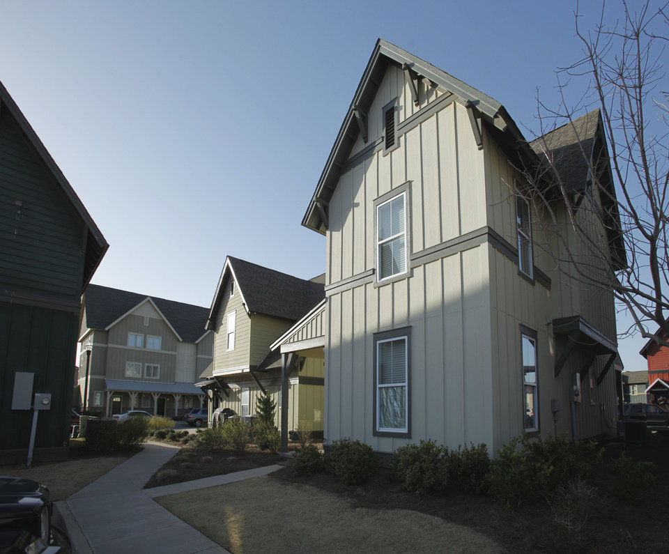 Photo - The Cottages of Norman Apartments,  1601 E Imhoff in Norman, fetched an estimated $33.6 million, or $193,103 per unit, when sold earlier this year, according to Commercial Realty Resources Co.  STEVE SISNEY - THE OKLAHOMAN