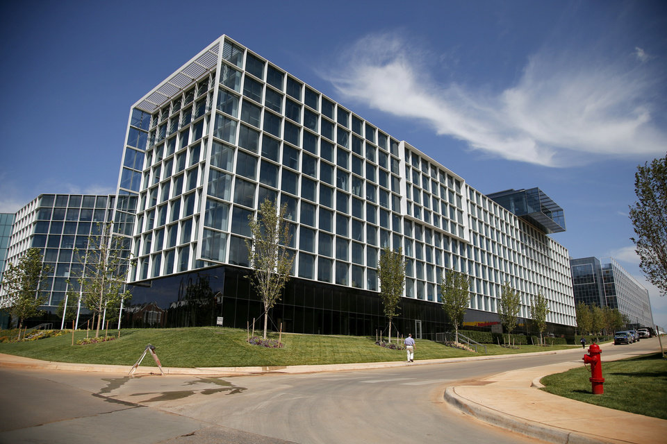 Photo - Chesapeake Energy Corp. campus is seen Tuesday, Sept. 10, 2013. Photo by Bryan Terry, The Oklahoman