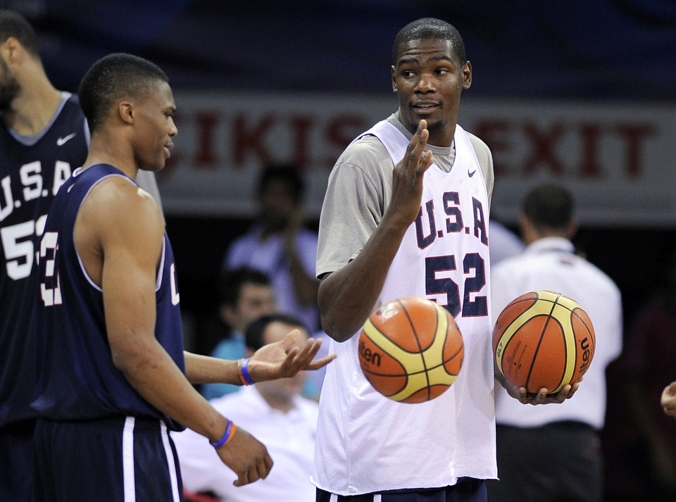 U.S. / UNITED STATES / BASKETBALL TEAM: USA's Russell Westbrook, left, talks with Kevin Durant during practice for the World Basketball Championship, in Istanbul, Turkey, Friday, Aug. 27, 2010. (AP Photo/Mark J. Terrill) ORG XMIT: ISMT107