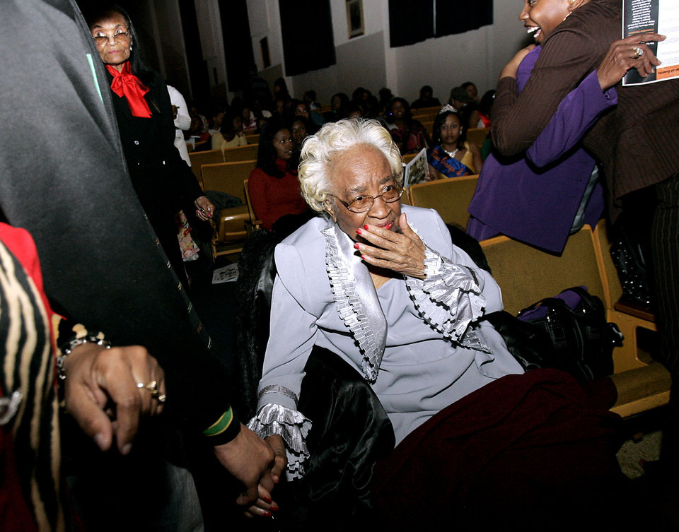 Photo - Clara Luper is surrounded by family and friends prior to the Miss Black Langston University 2008 Scholarship Pageant at Langston University, on Sunday, Feb. 24, 2008. By John Clanton, The Oklahoman ORG XMIT: KOD
