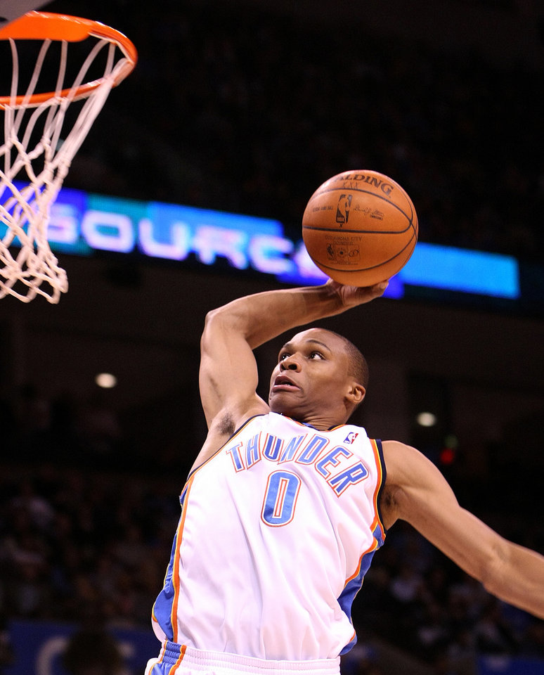 Photo - OKLAHOMA CITY THUNDER NBA BASKETBALL: Russell Westbrook goes in for a dunk during the Thunder - New Orleans Hornets game November 11, 2008 in Oklahoma City.     BY HUGH SCOTT, THE OKLAHOMAN ORG XMIT: KOD