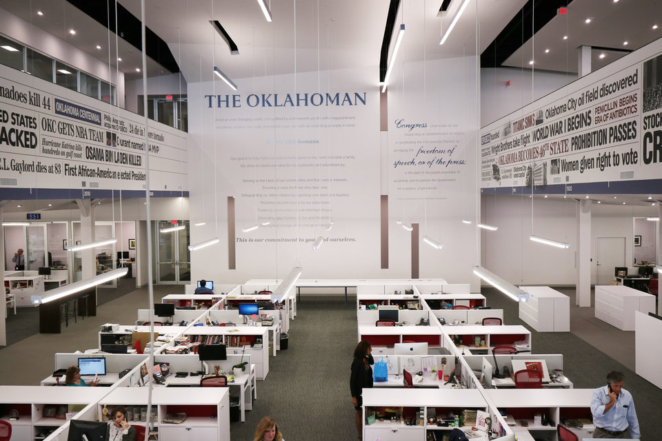 Photo - The Oklahoman newsroom with Frist Amendment, Tuesday, September 15, 2015. Photo by Doug Hoke, The Oklahoman