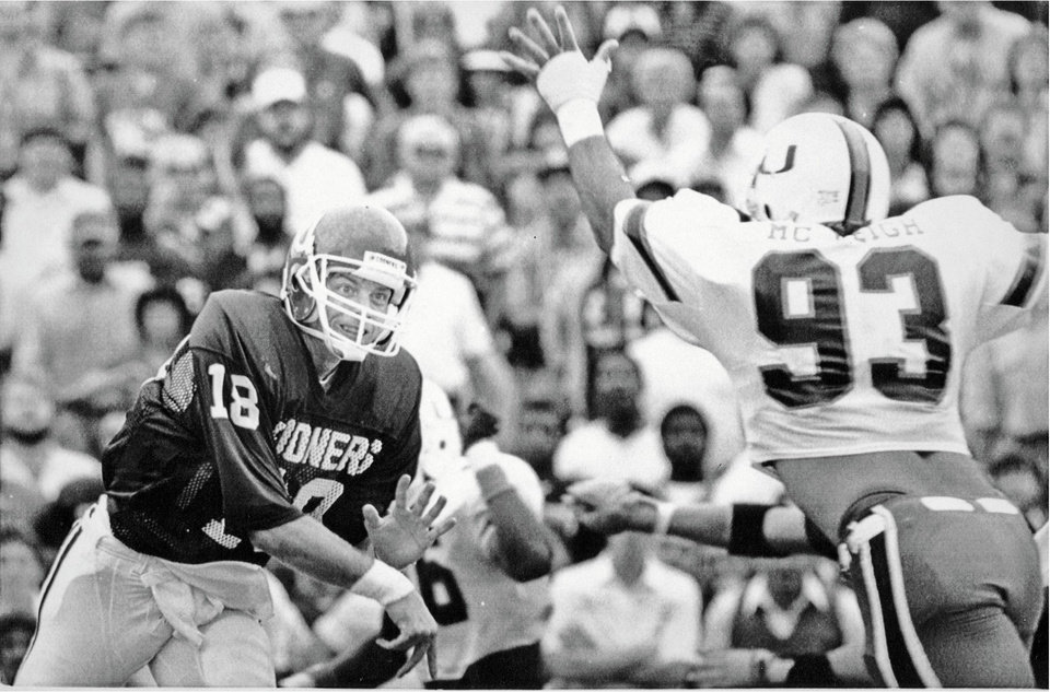 Photo - Former OU quarterback Troy Aikman is a member of the 2010 Oklahoma Sports Hall of Fame. OKLAHOMAN ARCHIVE