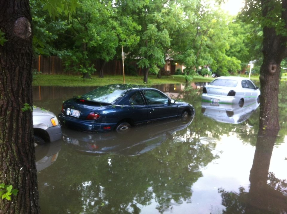 Cars flooded at 5944 NW 40 in Warr Acres. Photo by Robert Medley
