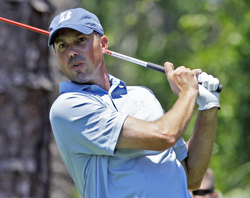 Photo -   Matt Kuchar hits from the second tee during the second round of the Players Championship golf tournament at TPC Sawgrass, Friday, May 11, 2012, in Ponte Vedra Beach, Fla. (AP Photo/John Raoux)