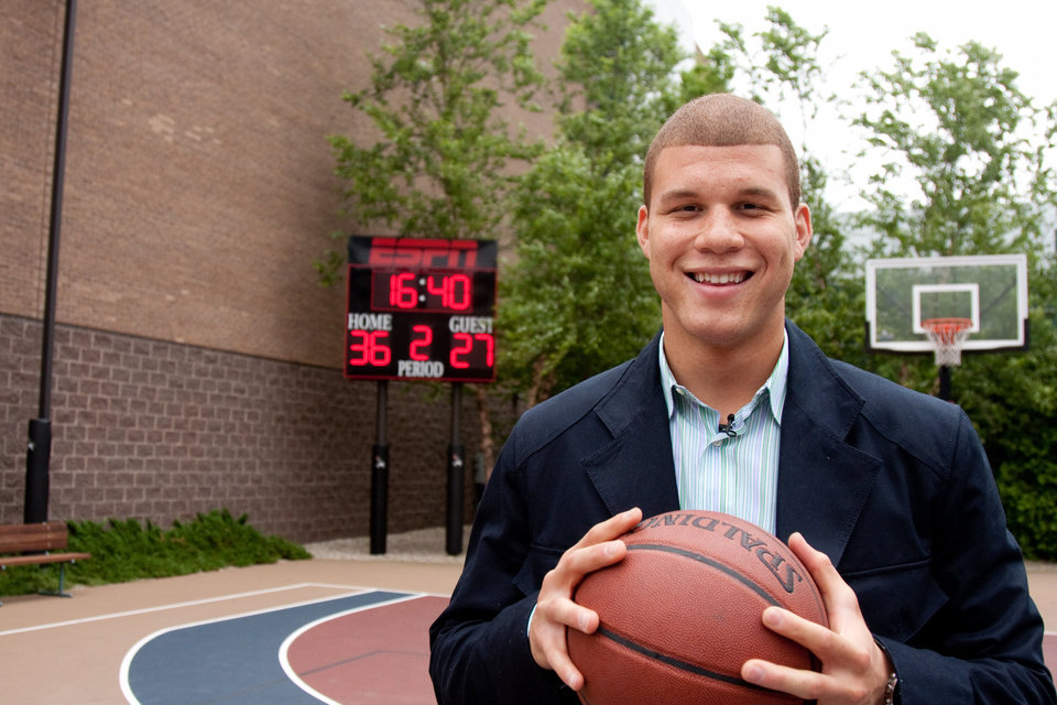 Photo - FORMER UNIVERSITY OF OKLAHOMA (OU) COLLEGE BASKETBALL PLAYER: Monday, June 22, 2009 -- Bristol, CT -- ESPN basketball court -- Oklahoma forward Blake Griffin stops by ESPN week of the NBA Draft ORG XMIT: 0906222154591226