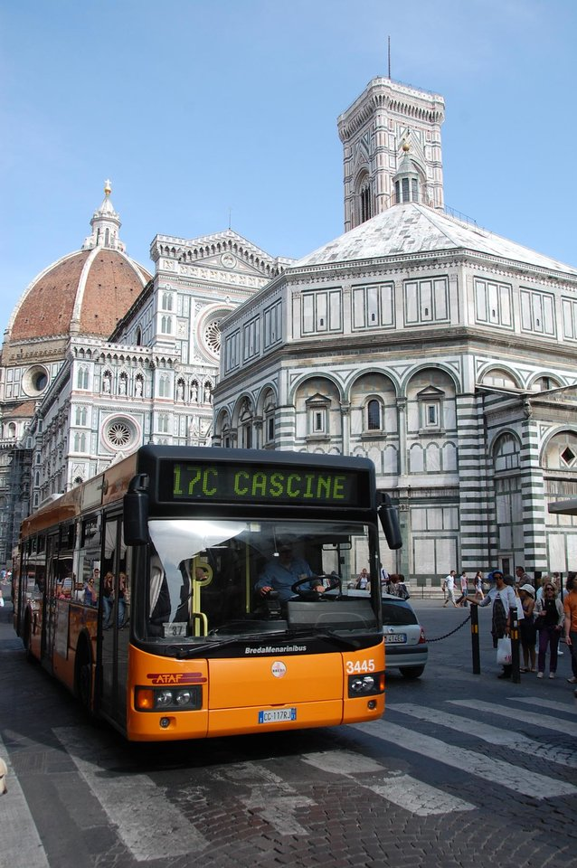 Using landmarks, such as Florence's Duomo, can help you gauge where to get off the bus. (Photo by Cameron Hewitt)