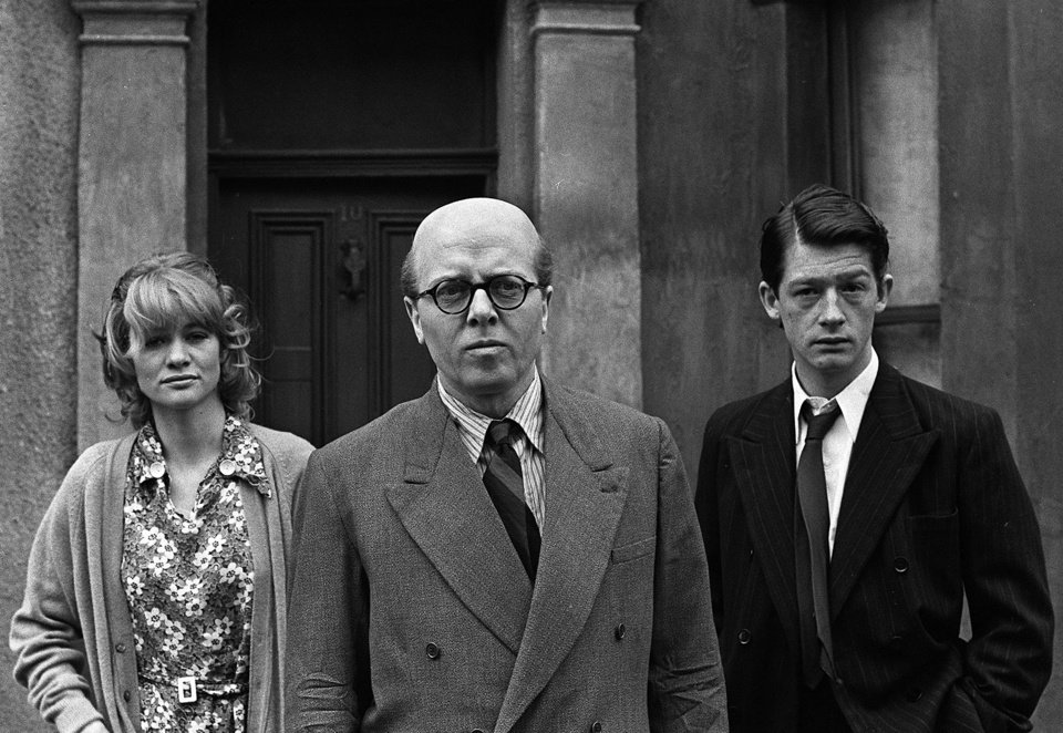 Photo - FILE - In this May 17, 1970 file photo, British actor Richard Attenborough, center, who portrays mass murderer John Reginald Christie in the lead role of