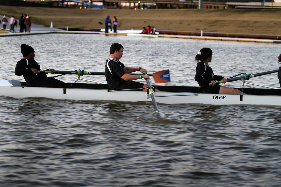 Members of the Putnam City High School rowing team during the OKC Riversport Youth League Championship on the Oklahoma River in downtown Oklahoma City, Wednesday, November 16, 2011. PHOTO BY HUGH SCOTT, FOR THE OKLAHOMAN ORG XMIT: KOD