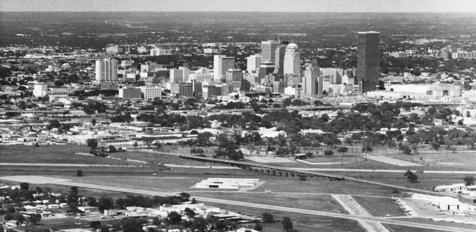 OKLAHOMA CITY / SKY LINE / OKLAHOMA / AERIAL VIEWS / AERIAL PHOTOGRAPHY / AIR VIEWS: DOWNTOWN OKC. Photo undated and unpublished. Photo arrived in library 05/30/1972.