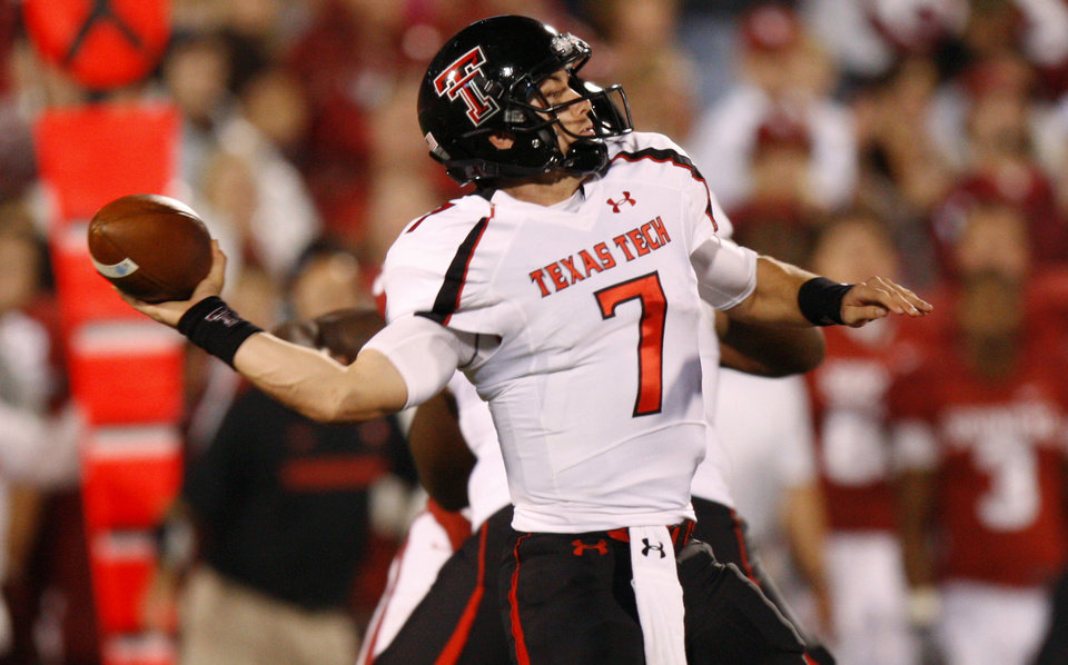 Texas Tech\'s Seth Doege (7) throws a pass during the college football game between the University of Oklahoma Sooners (OU) and the Texas Tech University Red Raiders (TTU) at Gaylord Family-Oklahoma Memorial Stadium in Norman, Okla., Saturday, Oct. 22, 2011. Photo by Bryan Terry, The Oklahoman
