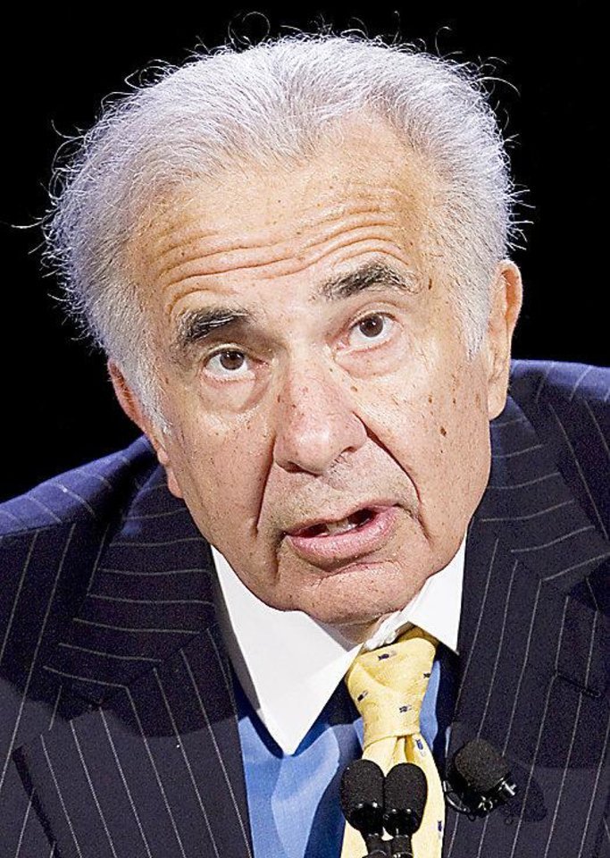 FILE - In this Oct. 11, 2007 file photo, activist investor Carl Icahn speaks at the World Business Forum in New York. Activist investor Carl Icahn declared an end to his brief truce with boutique film studio Lions Gate Entertainment Corp. on Tuesday, July 20, 2010, renewing his bid to take over the company and replace its board.(AP Photo/Mark Lennihan, file) ORG XMIT: NYBZ122