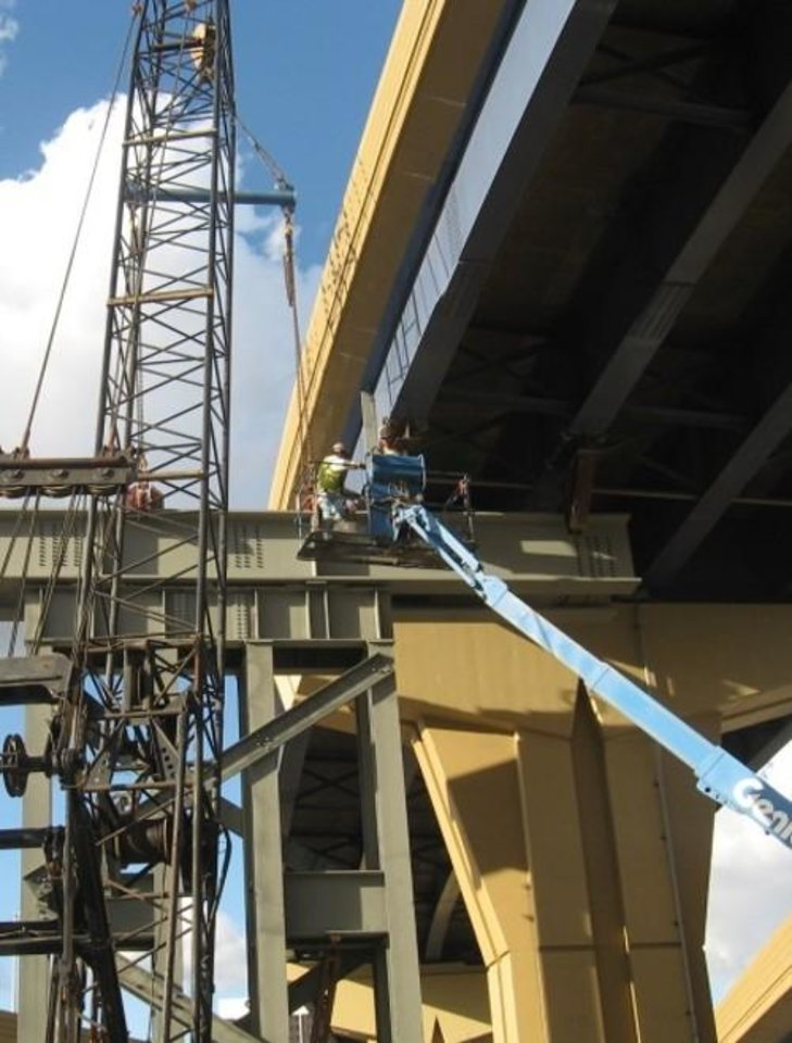 Photo -  The Oklahoma Transportation Commission Wednesday approved a contract with the engineering firm HNTB Corp. to design a plan to raise the heights of nine Kay County bridges that span Interstate 35. This picture shows a similar bridge raising project that was done elsewhere. [Photo provided]