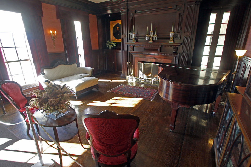This Monday, Nov. 19, 2012 photo shows the parlor at the Robert Todd Lincoln mansion Hildene in Manchester, Vt. The Georgian Revival home was built in 1905 by Robert Todd Lincoln, the only one of the president's four children to survive to adulthood. (AP Photo/Toby Talbot)