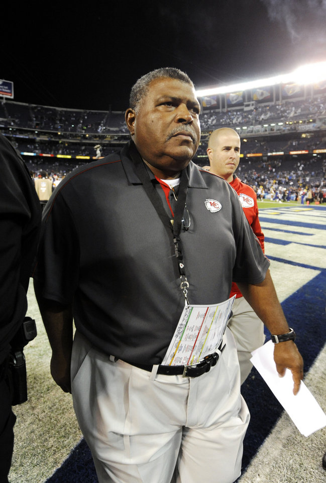 Photo -   Kansas City Chiefs head coach Romeo Crennel walks off the field after the Chiefs lost to the San Diego Chargers 31-13 in an NFL football game, Thursday, Nov. 1, 2012, in San Diego. (AP Photo/Denis Poroy)