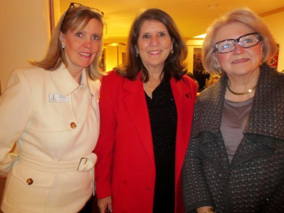 Cristi Reiger, Mary Price and Linda Garrett enjoy the party. (Photo by Helen Ford Wallace).