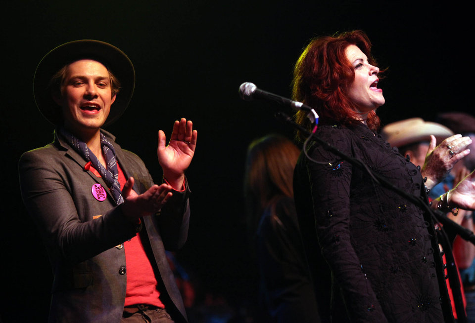 Taylor Hanson and Rosanne Cash join all the peformers of the Woody Guthrie Centennial Concert in