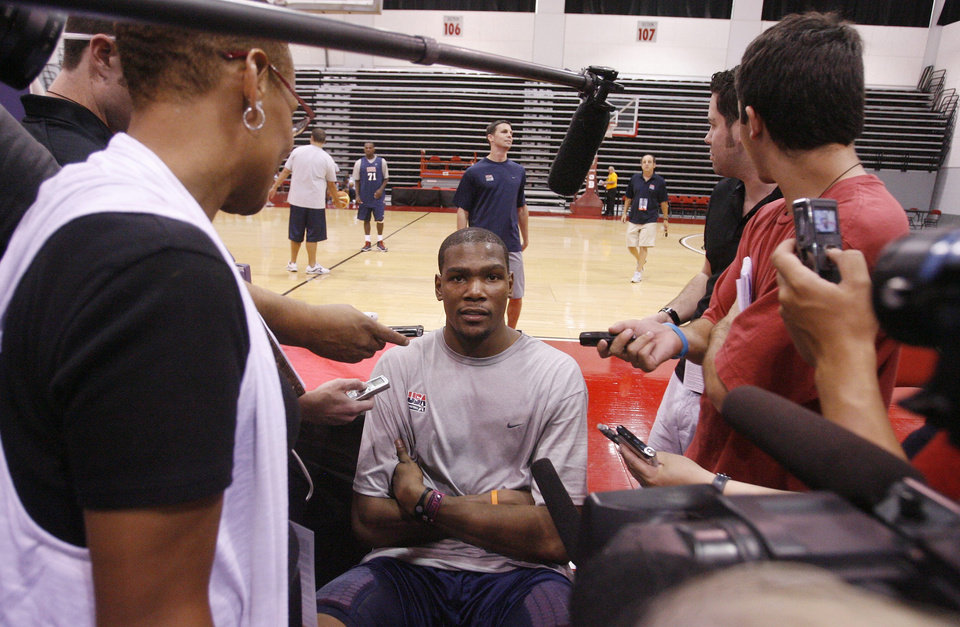 Team USA\'s Kevin Durant talks with the media following a United States men\'s national team basketball practice, Thursday, July 22, 2010 in Las Vegas. (AP Photo/Isaac Brekken) ORG XMIT: NVIB110