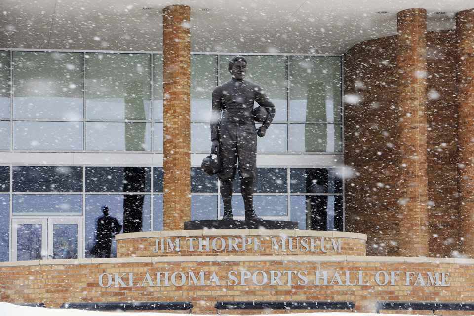 Photo - Blowing snow at the Jim Thorpe Museum and Sports Hall of Fame on Lincoln Blvd. in Oklahoma City Wednesday, Feb. 9, 2011. Photo by Paul B. Southerland, The Oklahoman
