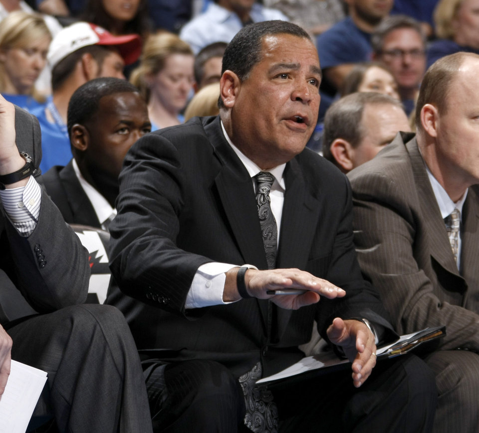 Photo - Milwaukee assistant coach Kelvin Sampson shouts instructions during the NBA basketball game between the Oklahoma City Thunder and the Milwaukee Bucks at the Oklahoma City Arena, Wednesday, April 13, 2011. Photo by Bryan Terry, The Oklahoman
