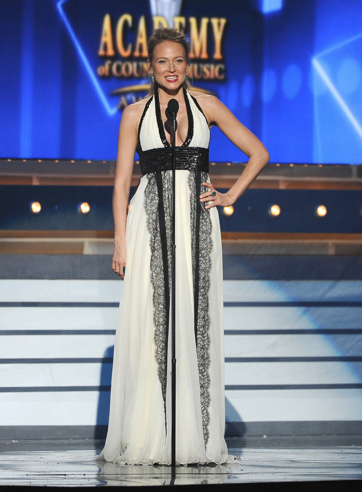 Photo - Jewel speaks on stage at the 49th annual Academy of Country Music Awards at the MGM Grand Garden Arena on Sunday, April 6, 2014, in Las Vegas. (Photo by Chris Pizzello/Invision/AP)