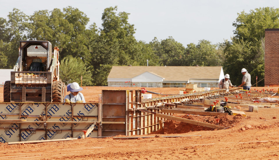 Photo - Construction is under way behind Del City Elementary in Del City. PHOTO BY PAUL B. SOUTHERLAND, THE OKLAHOMAN  PAUL B. SOUTHERLAND - THE OKLAHOMAN