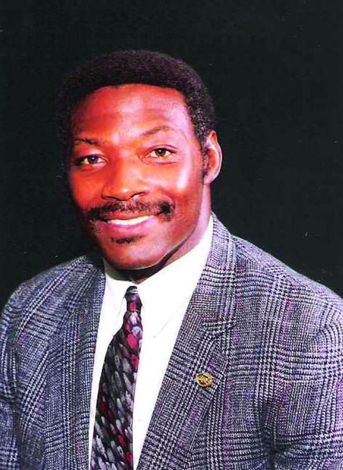 Photo - Lee Roy Selmon, former University of Oklahoma (OU) college football and NFL football player     ORG XMIT: 0906052224094533