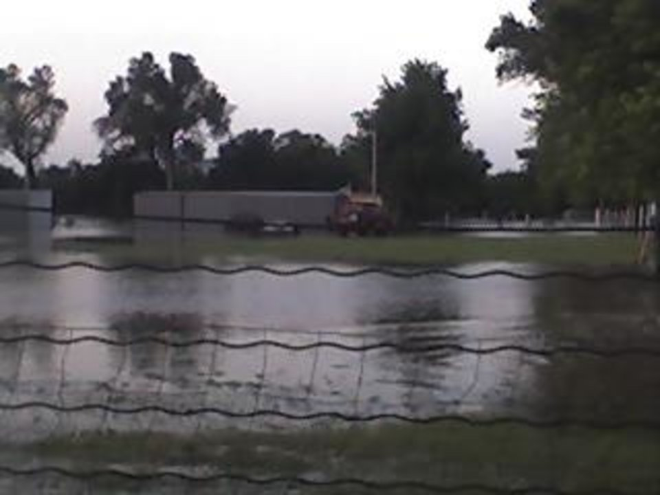 El Reno Flood<br/><b>Community Photo By:</b> Heather Ingram<br/><b>Submitted By:</b> Heather, El Reno