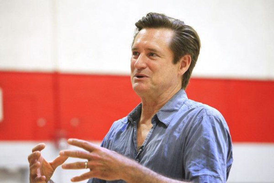 Photo - Actor Bill Pullman speaks at the Salvation Army Boys and Girls Club in southwest Oklahoma City, Wednesday, August 4, 2010.     Pullman is in town working on the movie