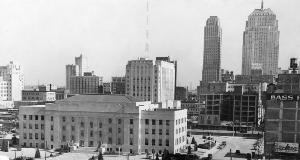 OKLAHOMA CITY / SKY LINE / OKLAHOMA:  No caption.  Staff photo by A.Y. Owen.  Photo dated 01/20/1939 and published 03/05/1939 in The daily Oklahoman.