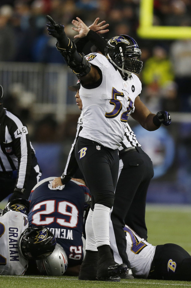 Baltimore Ravens inside linebacker Ray Lewis (52) reacts after the Ravens recovered a fumble during the second half of the NFL football AFC Championship football game against the New England Patriots in Foxborough, Mass., Sunday, Jan. 20, 2013. (AP Photo/Charles Krupa)