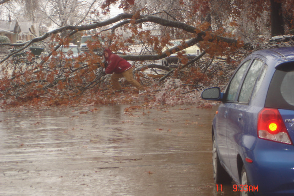 Downed tree in front<br/><b>Community Photo By:</b> Josh Allison<br/><b>Submitted By:</b> Rick , Midwest City