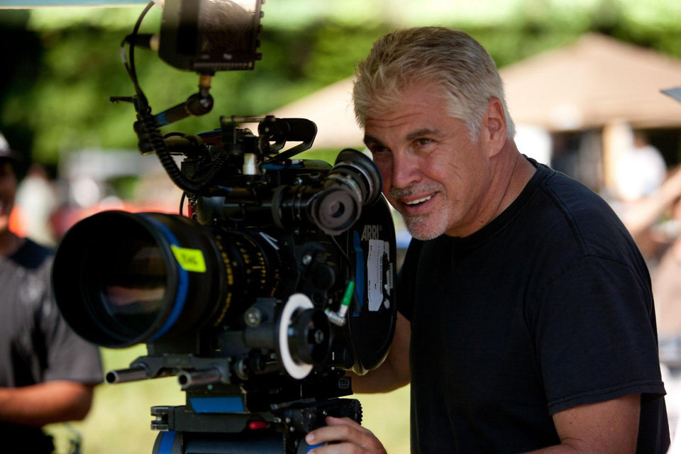 Director Gary Ross on the set of