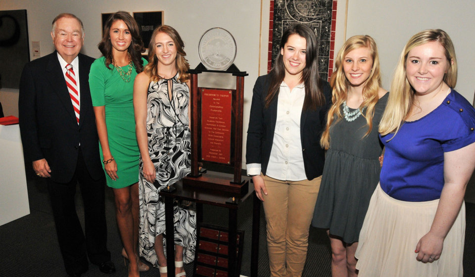David L. Boren, Brooke Hamilton, Emily Kurtz, Maggie Cannon,  Hilary Meyer and Chloe Tadlock. PHOTO PROVIDED