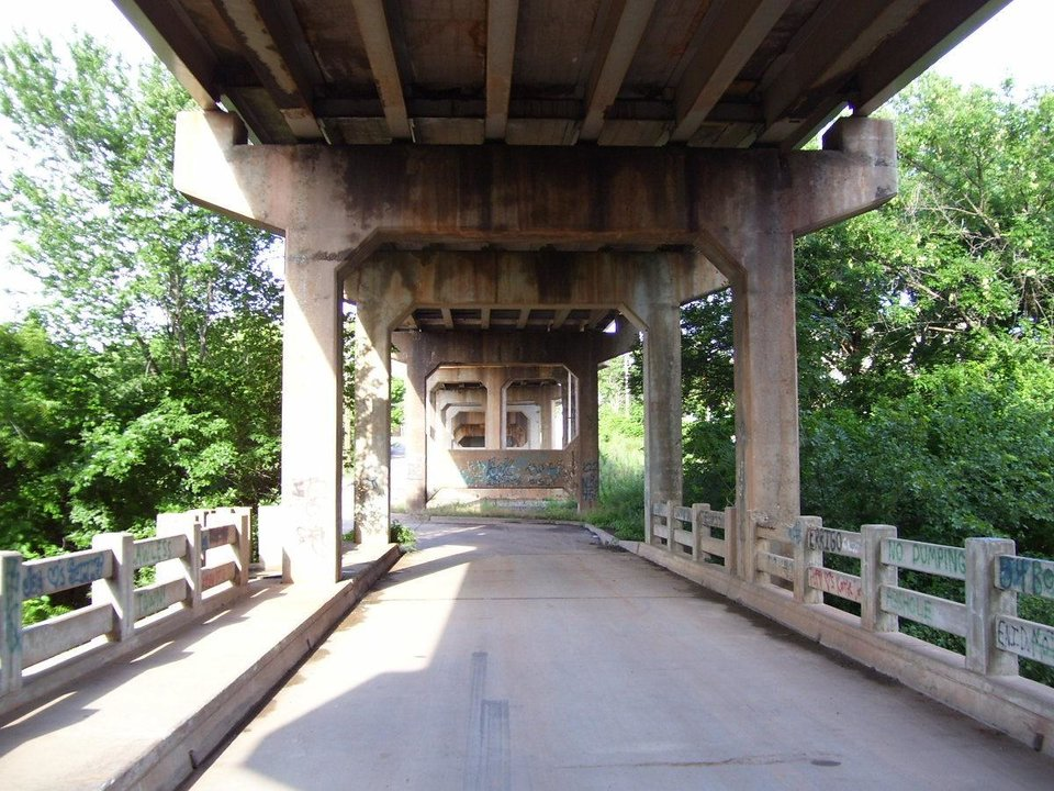 Underside of the Viaduct over the Cottonwood creek. Community Photo By: Jimmy J Submitted By: jimmy, guthrie