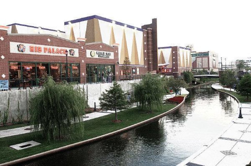 BRICKTOWN CANAL, RESTAURANT, RESTAURANTS, HARKINS THEATER, MOVIE THEATER: Bricktown scenes in Oklahoma City, Oklahoma, taken Thursday, July 14, 2005. by Jim Beckel/The Oklahoman ORG XMIT: KOD