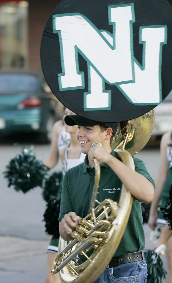 Norman North High School bandmember Devin Blunck, a sophomore, marches in the homecoming parade Thursday, Sept. 27, 2007 in downtown Norman, Ok. BY JACONNA AGUIRRE/THE OKAHOMAN.