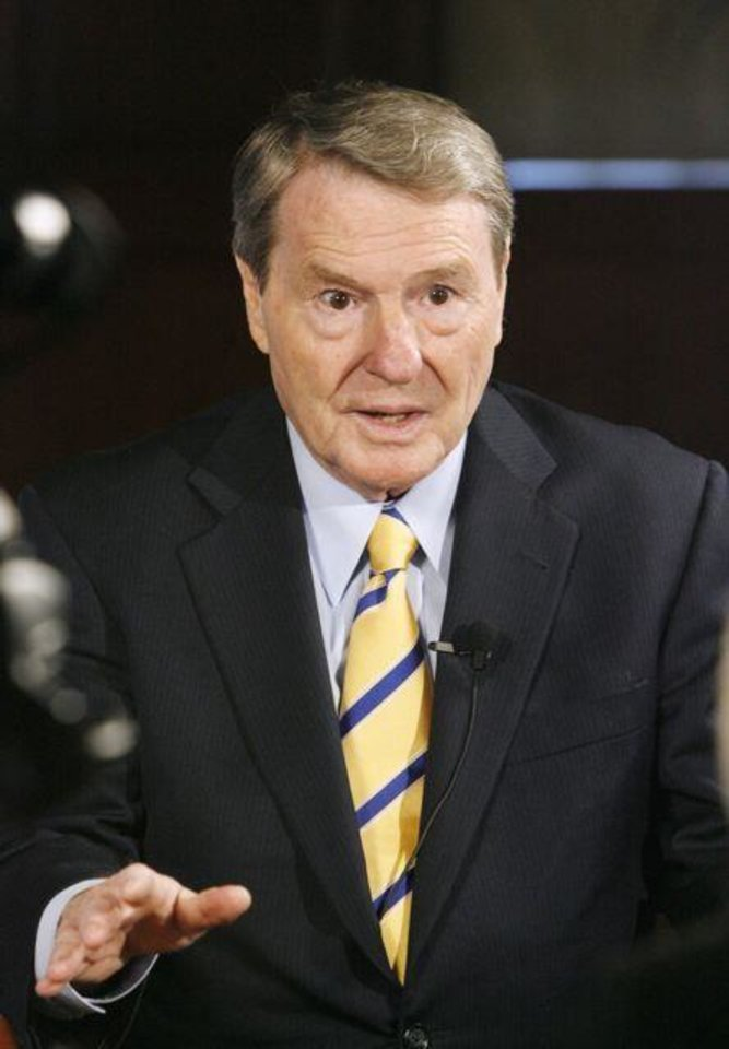 THE GAYLORD PRIZE.... Jim Lehrer speaking during an interview  before his acceptance of the Gaylord Prize for Excellence in  Journalism and Mass Communication by the University of Oklahoma at   the Skirvin Hilton Hotel in downtown Oklahoma City, Monday, Nov. 17,  2008. BY PAUL B. SOUTHERLAND, THE OKLAHOMAN