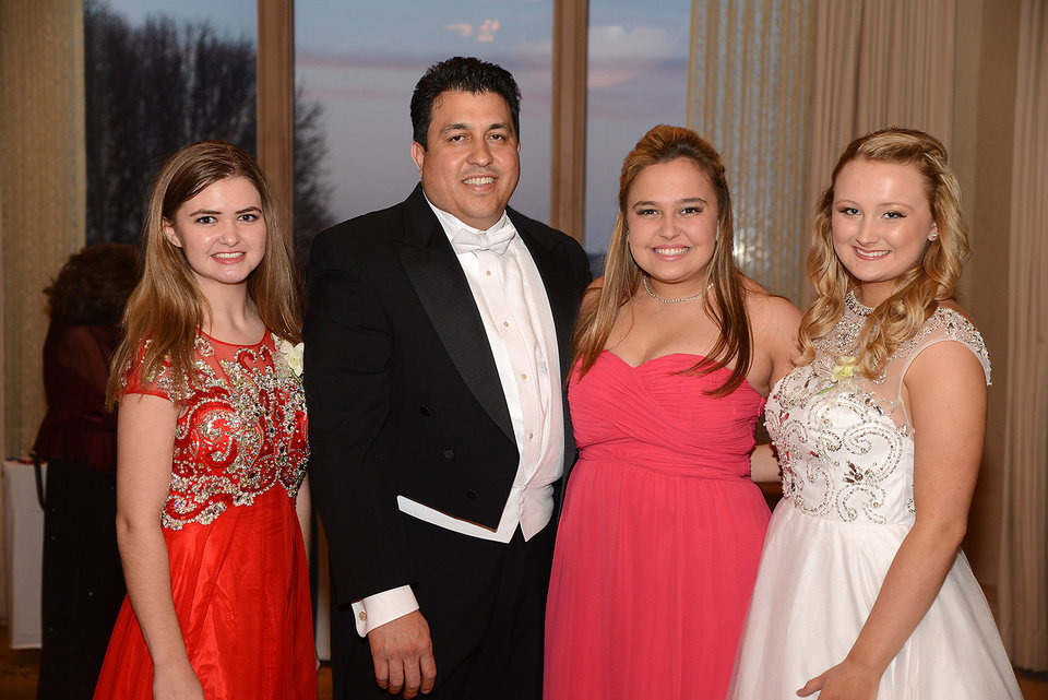 Photo -  Evelyn Blount, Ricardo Vega, Mary Alice Kelley, Maci Ratliff.