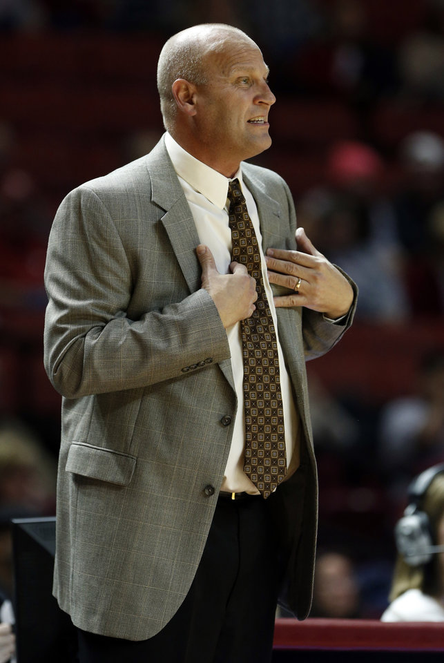 Photo - Gonzaga's head coach Kelly Graves gestures as the University of Oklahoma Sooners (OU) play the Gonzaga Bulldogs in NCAA, women's college basketball at The Lloyd Noble Center on Thursday, Nov. 14, 2013  in Norman, Okla. Photo by Steve Sisney, The Oklahoman