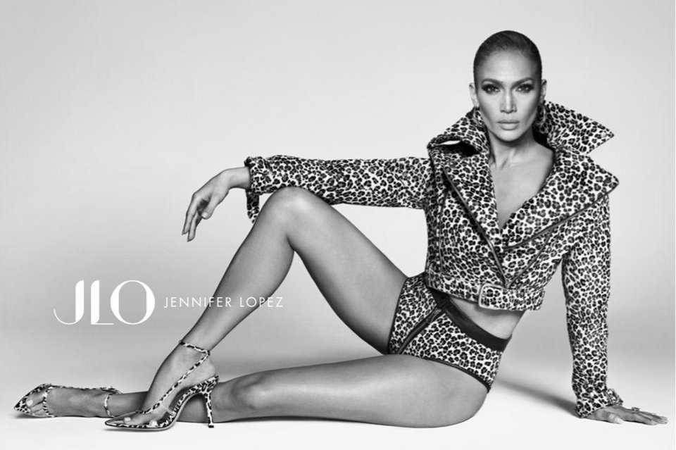 Photo - Jennifer Lopez in an ad campaign photo for her new line of shoes and handbags exclusively at DSW.