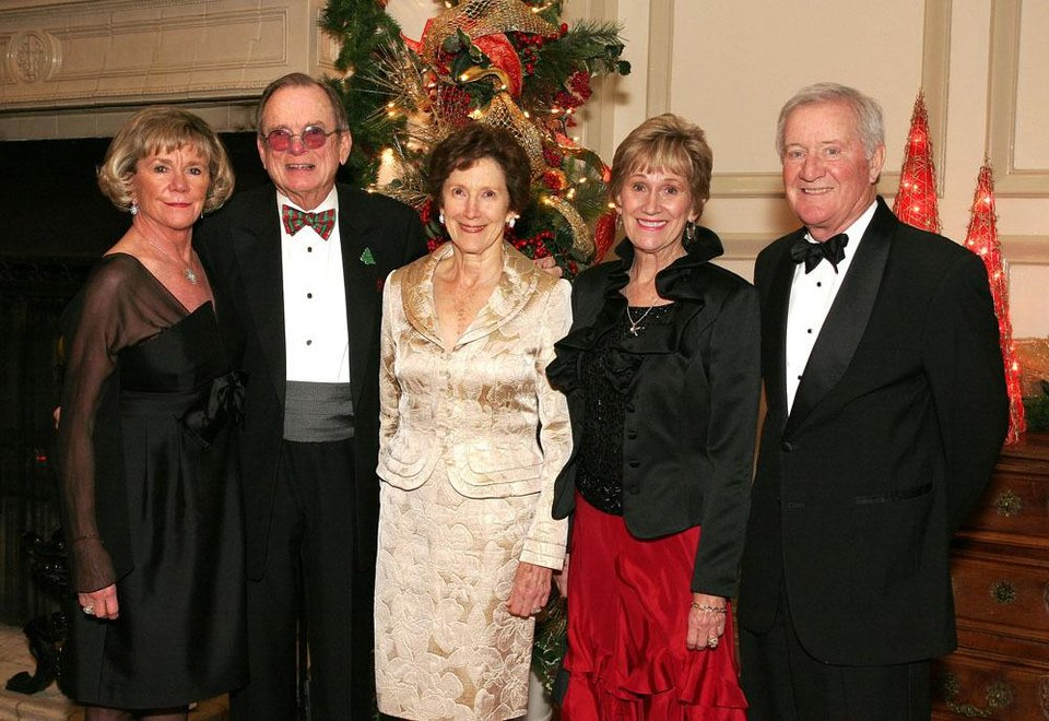 ANNE WORKMAN: Anne and Dick Workman, Lida Elkins, Linda Rosser and Jack Roberts. PHOTO BY DAVID FAYTINGER, FOR THE OKLAHOMAN