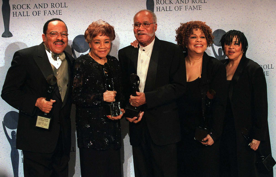 Photo - FILE - This March 15, 1999 file photo shows the sibling group The Staples Singers, from left, Pervis, Cleotha, Pops, Mavis, and Yvonne at the Rock and Roll Hall of Fame induction ceremony in New York. Cleotha Staples, the eldest sibling in the highly influential gospel group The Staples Singers died Friday, Feb. 22, 2013, at her Chicago home after suffering from Alzheimer's disease for the last decade.  She was 78. (AP Photo/Albert Ferreira, file)