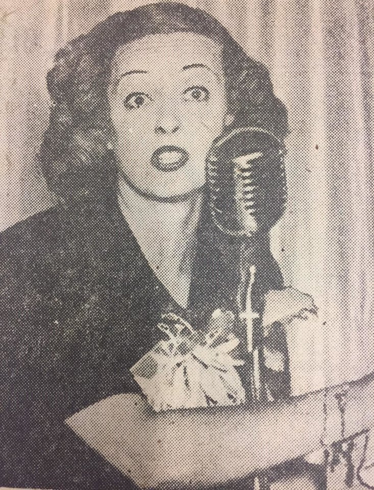 Photo - Davis serves as an auctioneer during an Oklahoma City Junior Chamber of Commerce luncheon on Sept. 15, 1942.